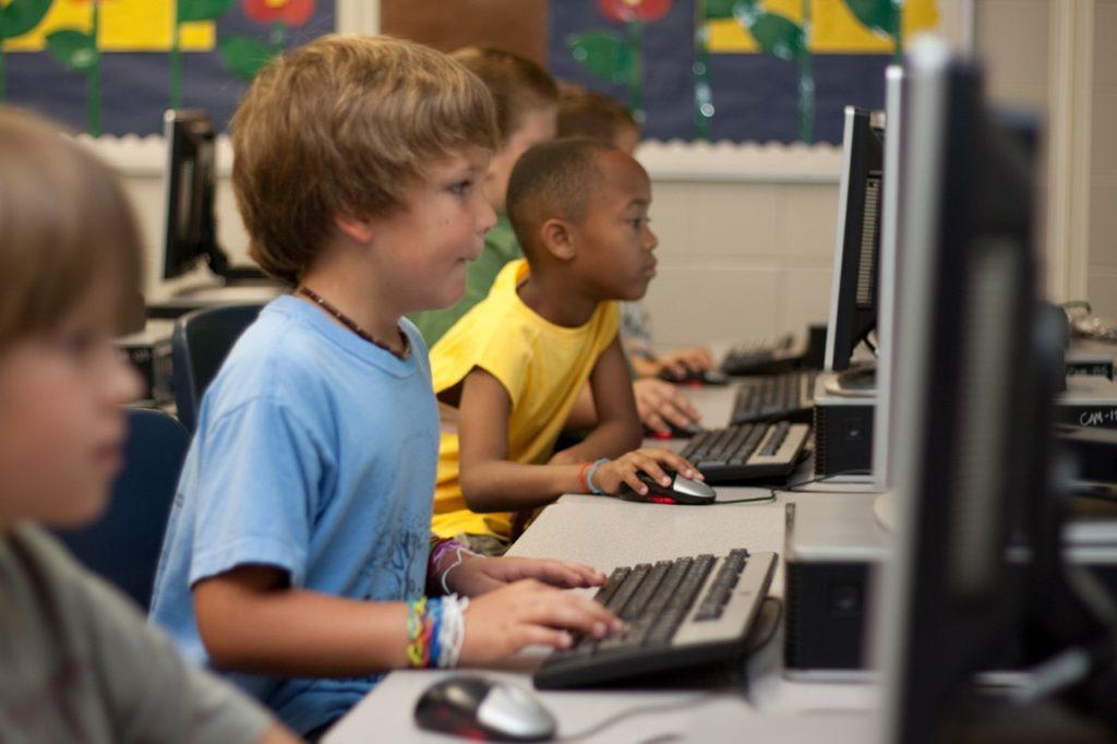 放課後等デイサービスで学べるプログラミングって?